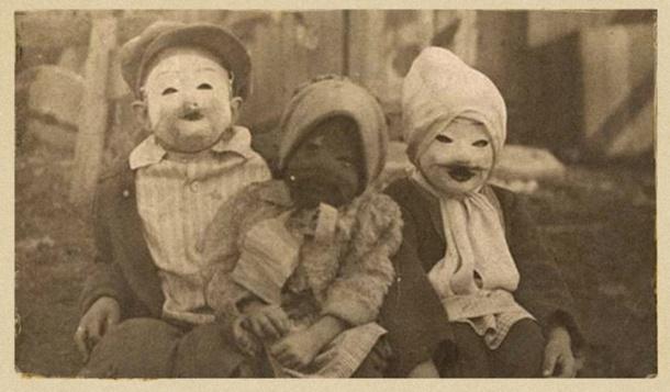il-y-a-100-ans-les-premiers-cliches-d-Halloween-etaient-absolument-flippants-24