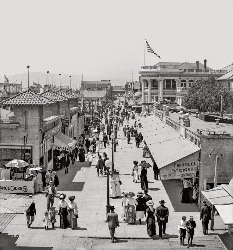 1910 ~ Long Beach, California